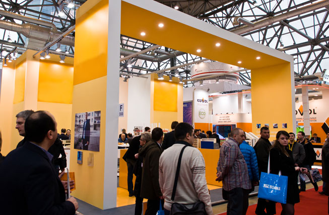 Event marketing divides the profit from sales orders by the total cost of the exhibition